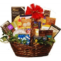 Holidays &amp; Everyday Goody and Gourmet Basket - Large